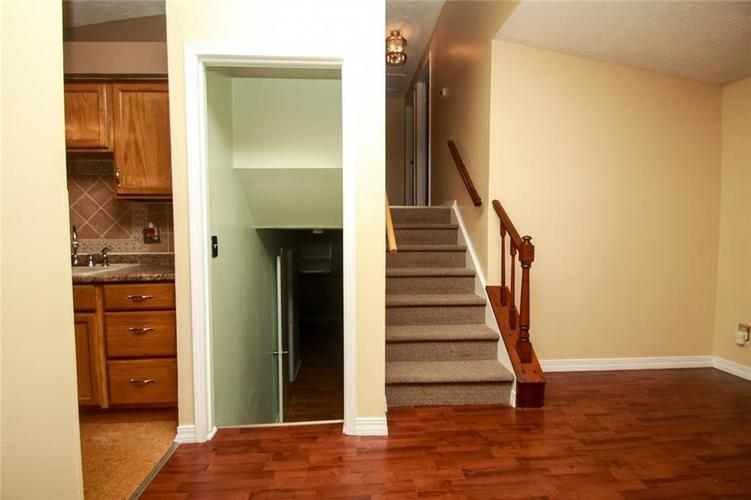 6806 Middleton Court Indianapolis IN 46268 | MLS 21711729 | photo 17