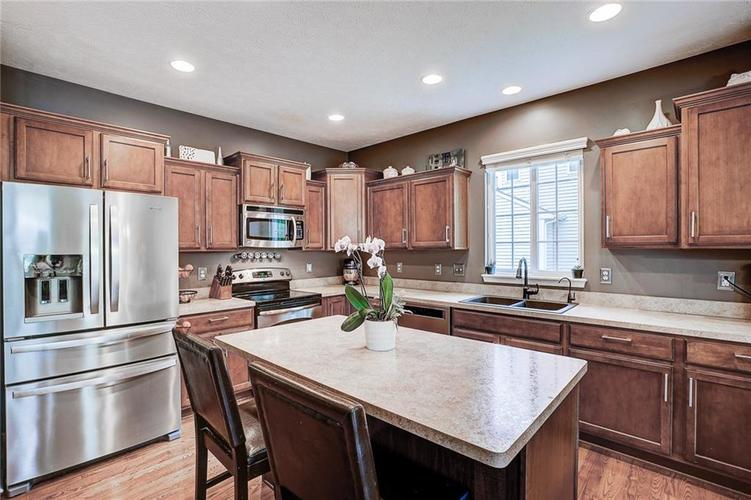 12873 Thames Drive Fishers IN 46037 | MLS 21711730 | photo 11