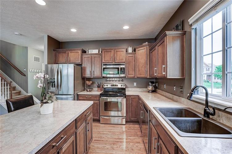 12873 Thames Drive Fishers IN 46037 | MLS 21711730 | photo 12