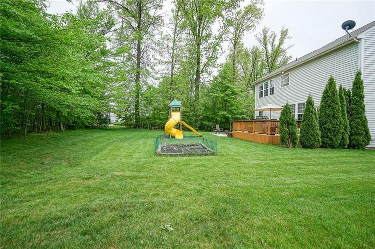 12873 Thames Drive Fishers IN 46037 | MLS 21711730 | photo 3
