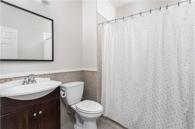 2255 Central Avenue Indianapolis IN 46205 | MLS 21711750 | photo 12