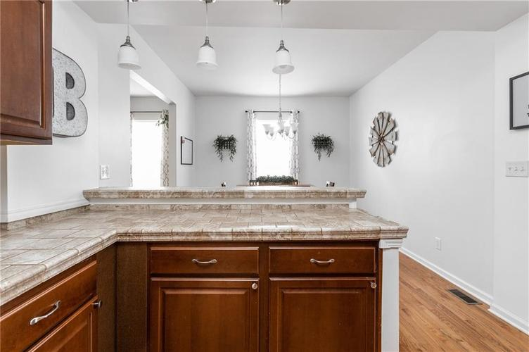 2255 Central Avenue Indianapolis IN 46205 | MLS 21711750 | photo 6