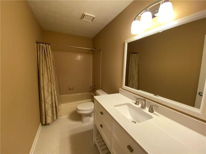 7750 Hooper Strait Drive Indianapolis IN 46236 | MLS 21711760 | photo 13