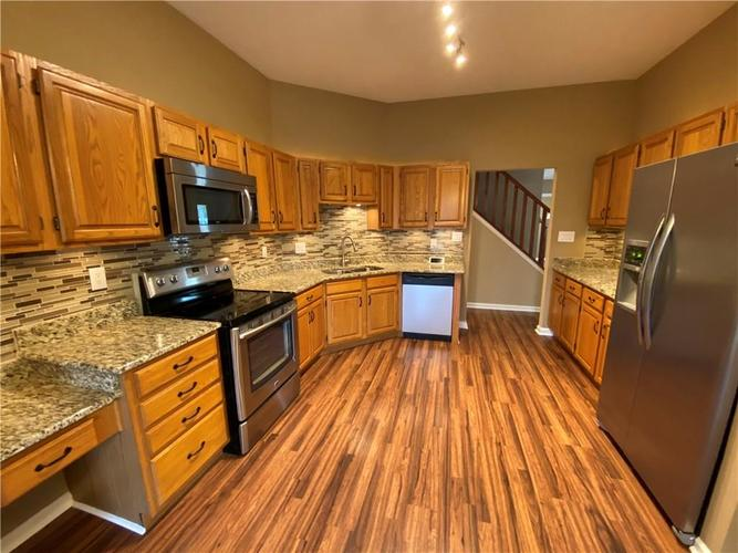 7750 Hooper Strait Drive Indianapolis IN 46236 | MLS 21711760 | photo 15