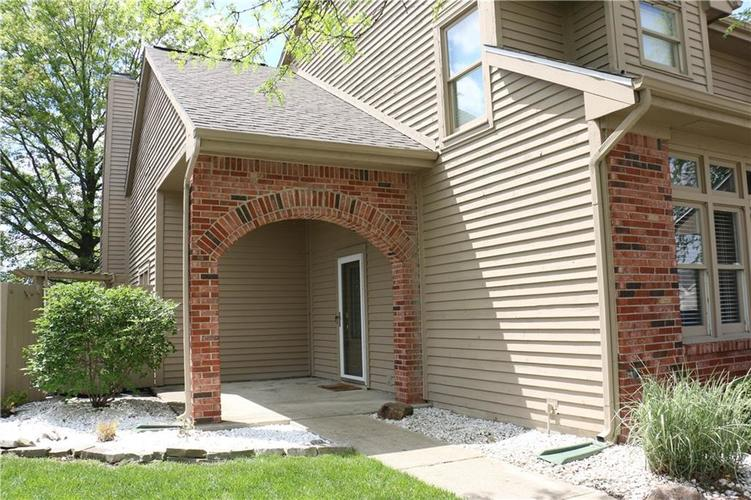 7750 Hooper Strait Drive Indianapolis IN 46236 | MLS 21711760 | photo 2
