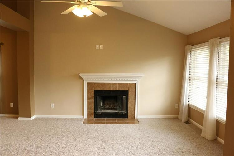 7750 Hooper Strait Drive Indianapolis IN 46236 | MLS 21711760 | photo 3