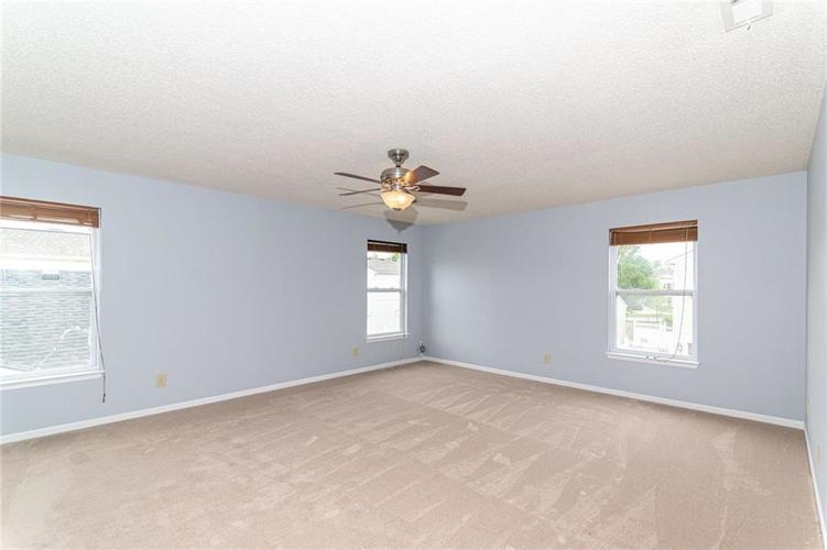 12933 Courage Crossing Fishers IN 46037 | MLS 21711770 | photo 23