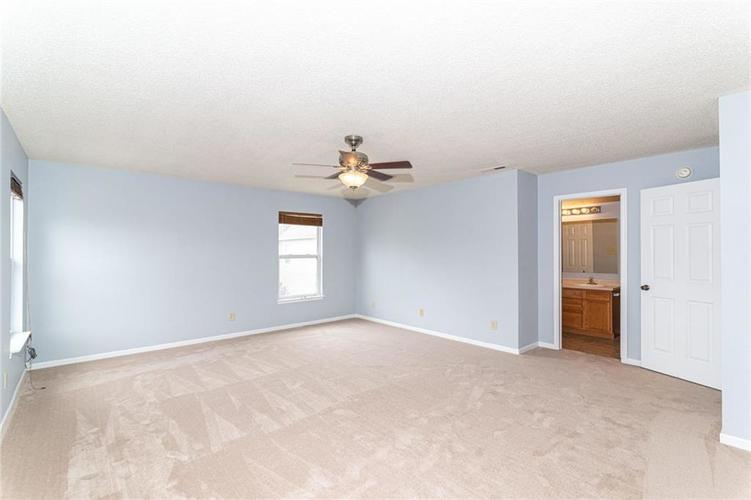12933 Courage Crossing Fishers IN 46037 | MLS 21711770 | photo 24