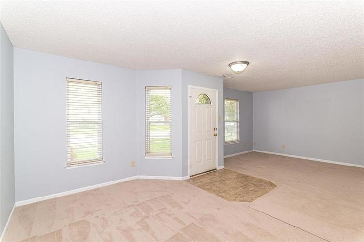 12933 Courage Crossing Fishers IN 46037 | MLS 21711770 | photo 5