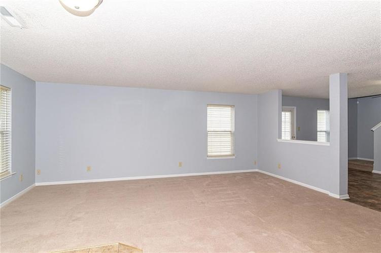 12933 Courage Crossing Fishers IN 46037 | MLS 21711770 | photo 6