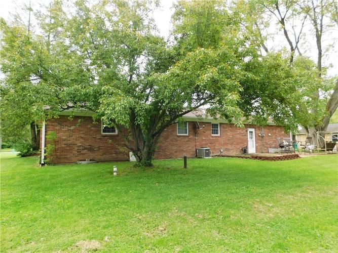 2340 Country Club Road Indianapolis IN 46234 | MLS 21711775 | photo 3