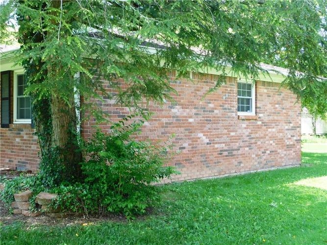 2340 Country Club Road Indianapolis IN 46234 | MLS 21711775 | photo 7