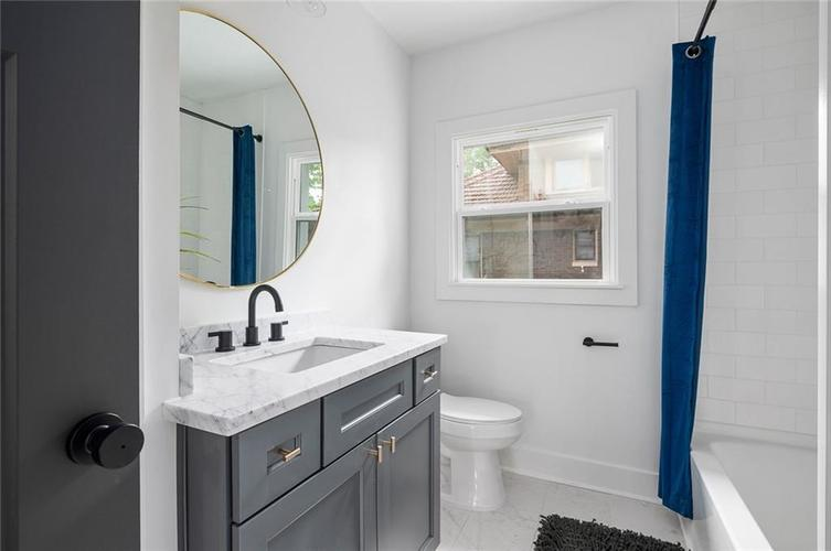 3950 Guilford Avenue Indianapolis IN 46205 | MLS 21711793 | photo 20