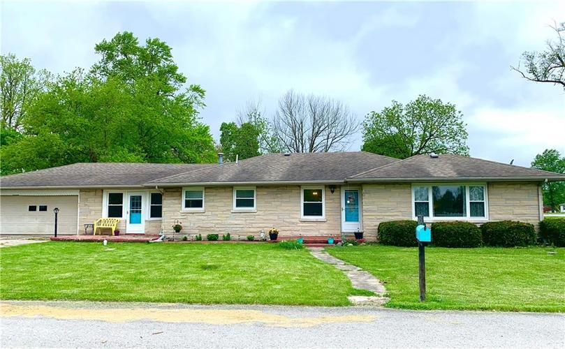 140 S Maple Drive Albany IN 47320 | MLS 21711858 | photo 1