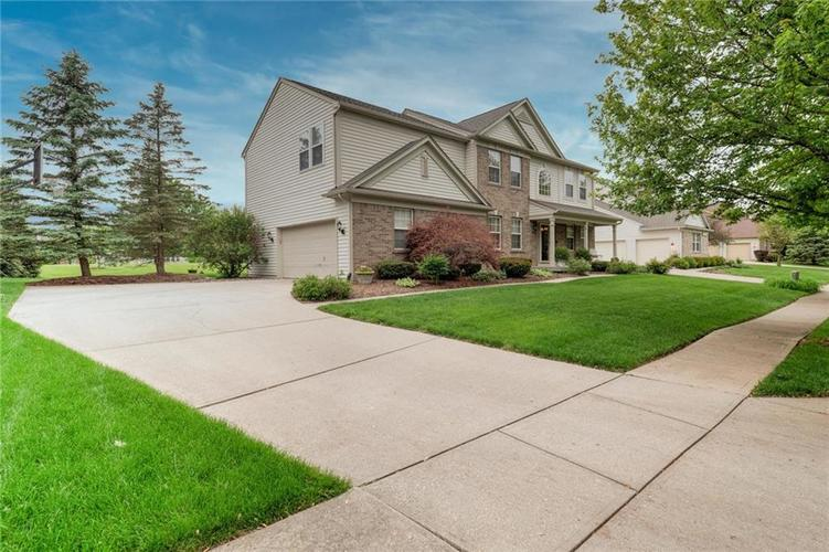 7560 PRAIRIE VIEW Drive Indianapolis IN 46256 | MLS 21711886 | photo 2