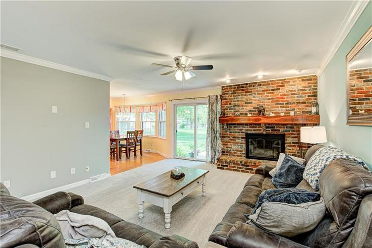 419 LINDSAY Court Indianapolis IN 46214 | MLS 21711906 | photo 10
