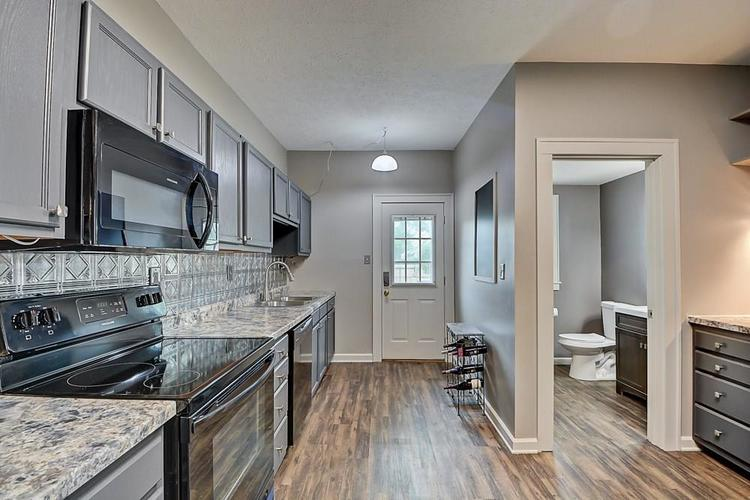 601 N Wallace Street Indianapolis IN 46201 | MLS 21711914 | photo 12