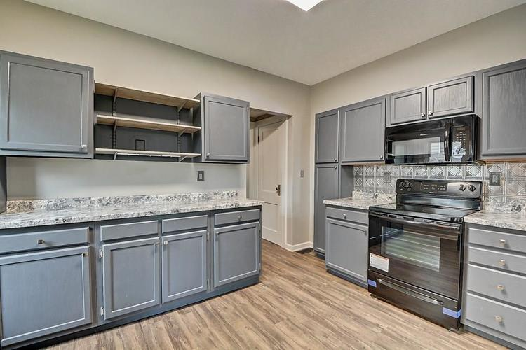 601 N Wallace Street Indianapolis IN 46201 | MLS 21711914 | photo 15