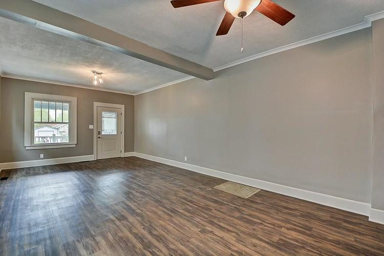 601 N Wallace Street Indianapolis IN 46201 | MLS 21711914 | photo 6