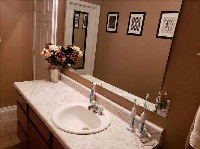 2630 Braxton Drive Indianapolis IN 46229 | MLS 21711923 | photo 19