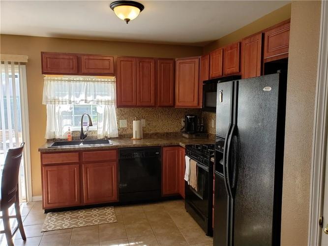 2630 Braxton Drive Indianapolis IN 46229 | MLS 21711923 | photo 6