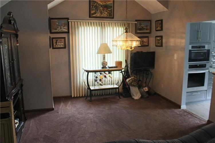 1320 Munsee Circle Indianapolis IN 46228 | MLS 21711958 | photo 13