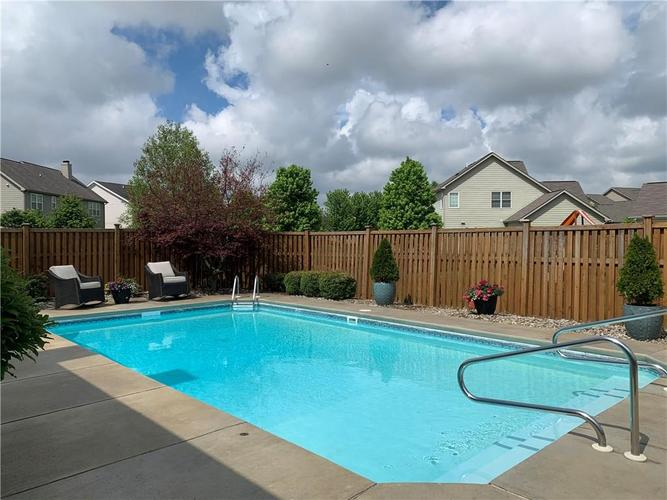 13668 Blooming Orchard Dr Drive Fishers IN 46038 | MLS 21711970 | photo 17