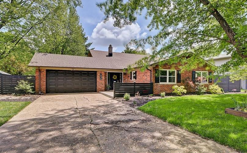 7975 Stafford Lane Indianapolis IN 46260   MLS 21711973   photo 1