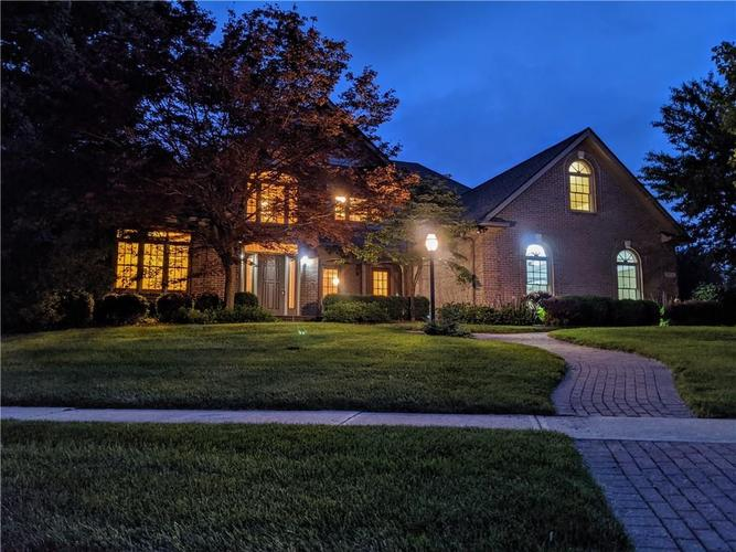 7806 Ashtree Drive Indianapolis IN 46259   MLS 21712128   photo 1