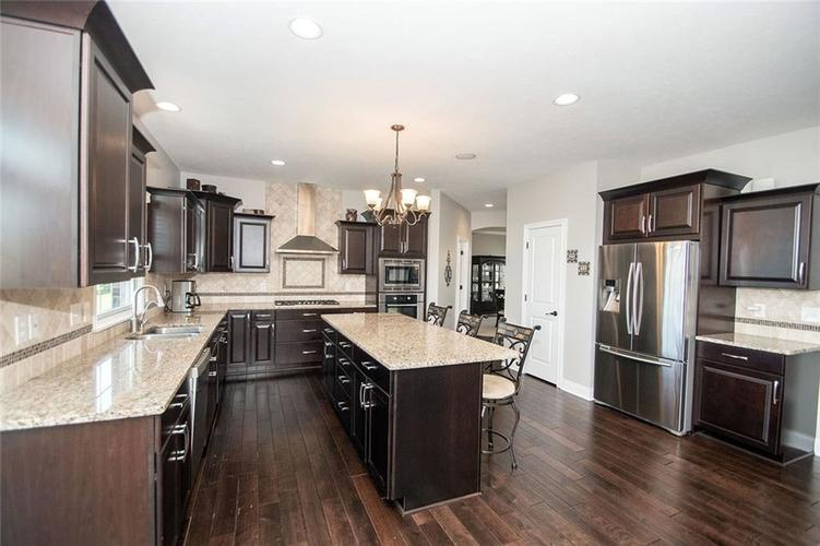 14514 Copper Springs Way Fishers IN 46040 | MLS 21712182 | photo 14