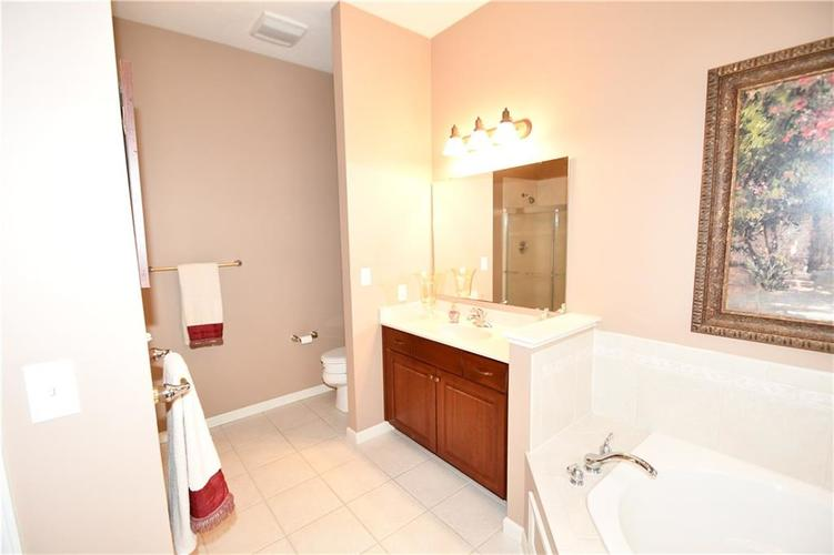 4825 E Crystal River Court E Indianapolis IN 46040 | MLS 21712191 | photo 24