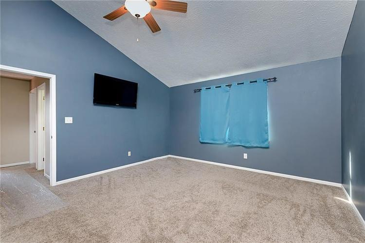 6481 Decatur Commons Indianapolis IN 46221 | MLS 21712253 | photo 18