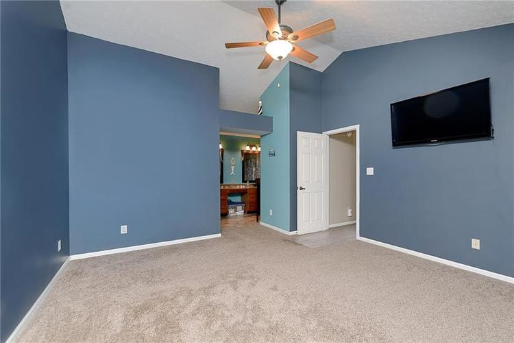 6481 Decatur Commons Indianapolis IN 46221 | MLS 21712253 | photo 19