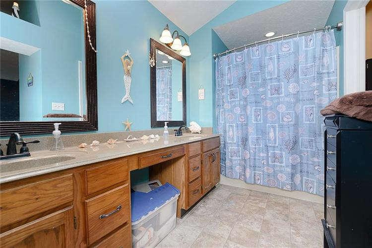 6481 Decatur Commons Indianapolis IN 46221 | MLS 21712253 | photo 20