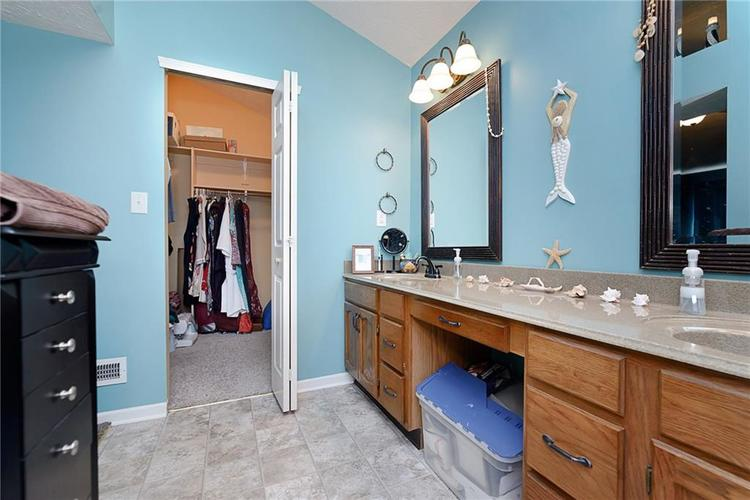 6481 Decatur Commons Indianapolis IN 46221 | MLS 21712253 | photo 21