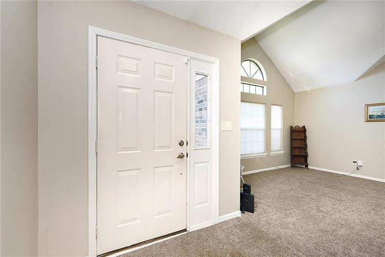 6481 Decatur Commons Indianapolis IN 46221 | MLS 21712253 | photo 3