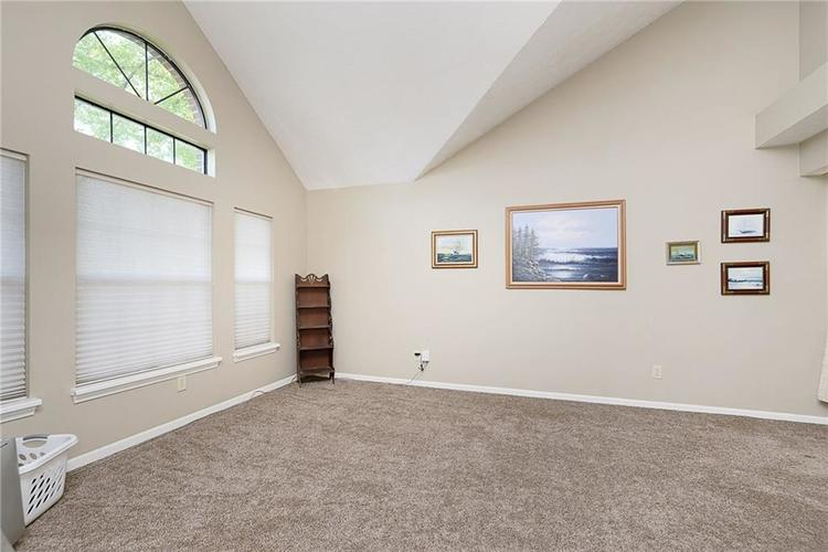 6481 Decatur Commons Indianapolis IN 46221 | MLS 21712253 | photo 5