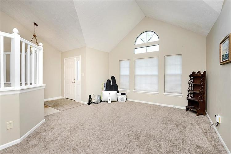 6481 Decatur Commons Indianapolis IN 46221 | MLS 21712253 | photo 6