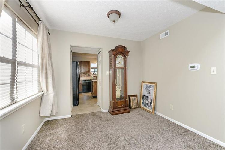 6481 Decatur Commons Indianapolis IN 46221 | MLS 21712253 | photo 8