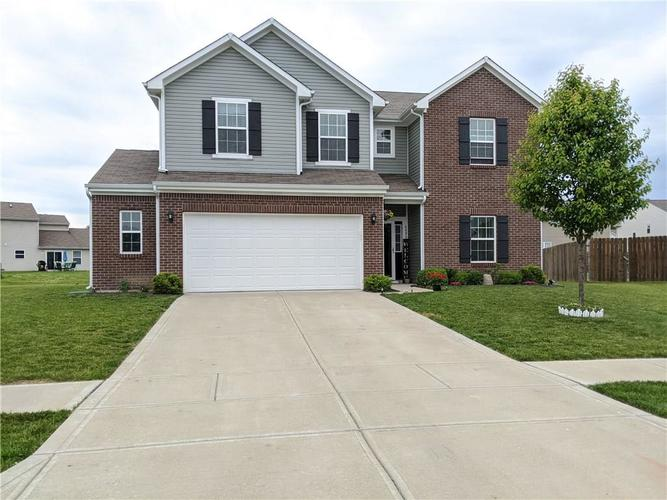 6486 Enclave Court Greenwood IN 46143 | MLS 21712271 | photo 1