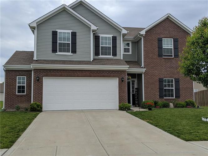 6486 Enclave Court Greenwood IN 46143 | MLS 21712271 | photo 2
