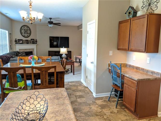 6486 Enclave Court Greenwood IN 46143 | MLS 21712271 | photo 7