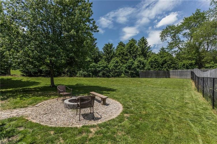 8534 Country Meadows Drive Indianapolis IN 46234 | MLS 21712454 | photo 2