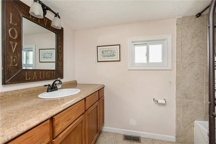 732 W Main Street Lebanon IN 46052 | MLS 21712476 | photo 14