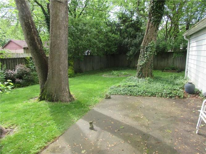 3915 Richelieu Court Indianapolis IN 46226 | MLS 21712481 | photo 2
