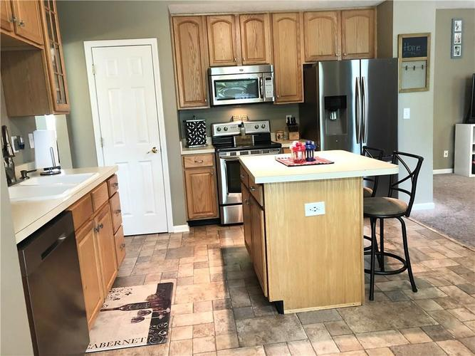 8426 Swift Court Indianapolis IN 46237   MLS 21712523   photo 5