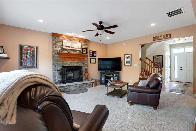 12256 Westmorland Drive Fishers IN 46037 | MLS 21712525 | photo 10