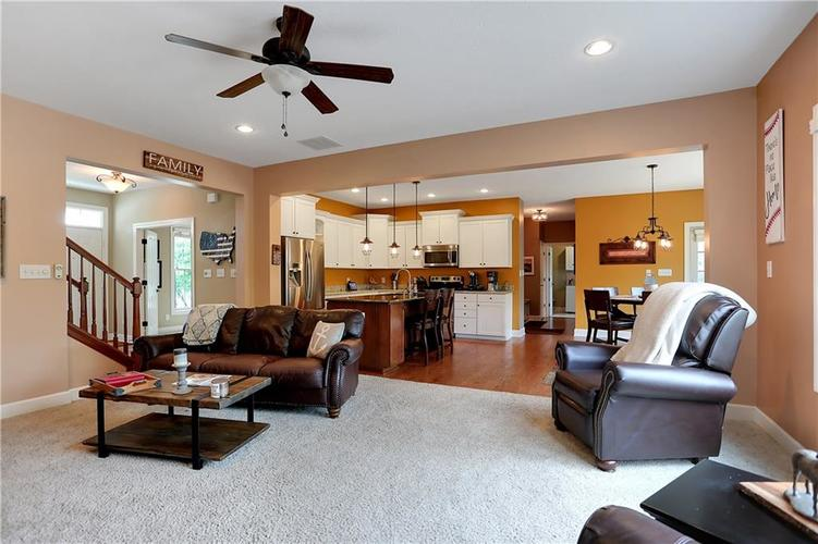 12256 Westmorland Drive Fishers IN 46037 | MLS 21712525 | photo 11