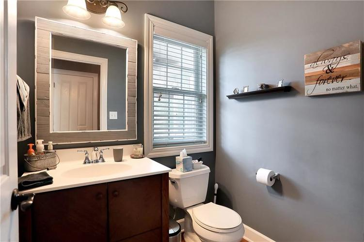12256 Westmorland Drive Fishers IN 46037 | MLS 21712525 | photo 24