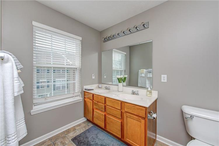 9081 Rider Drive Fishers IN 46038 | MLS 21712530 | photo 17